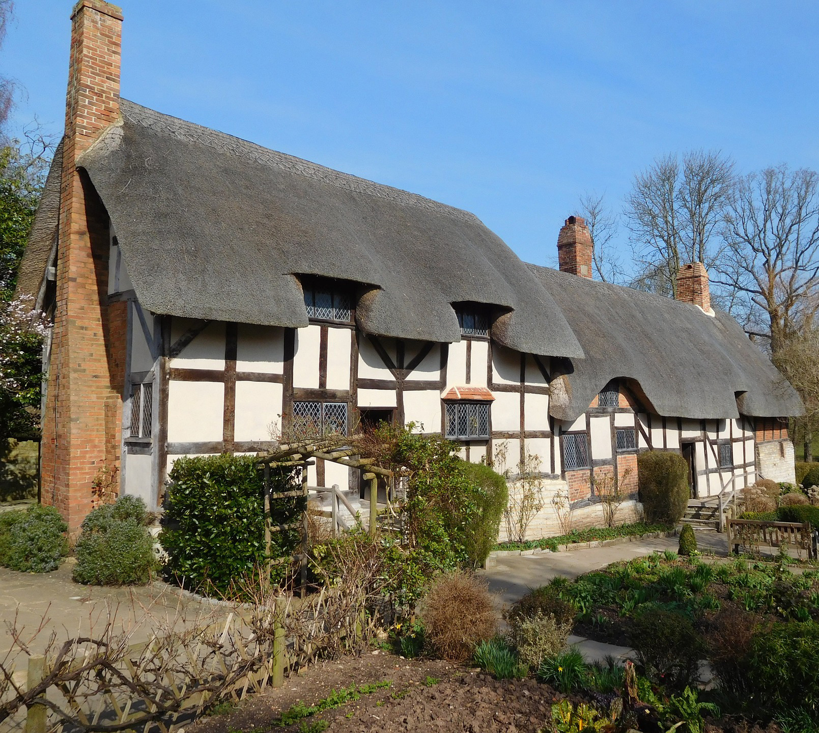 Women's Travel Club England & Wales Tour - Stratford-Upon-Avon
