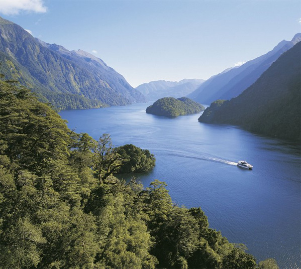 Women's Travel Club New Zealand Tour Tour - Doubtful Sound