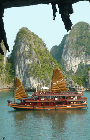 Signature cruise halong bay booking com